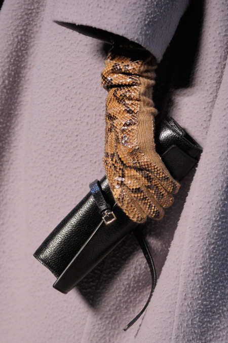 Detail Photo 25 from Rochas