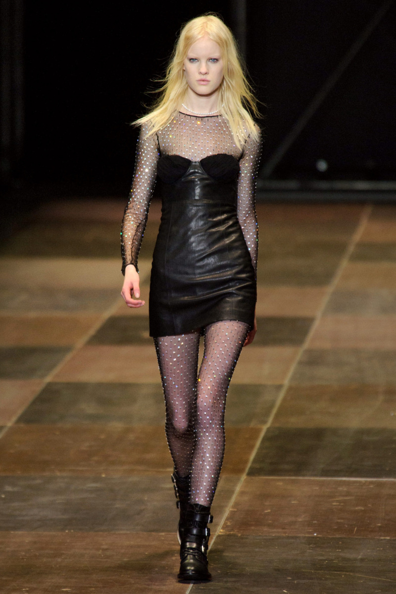 Photo 6 from Saint Laurent