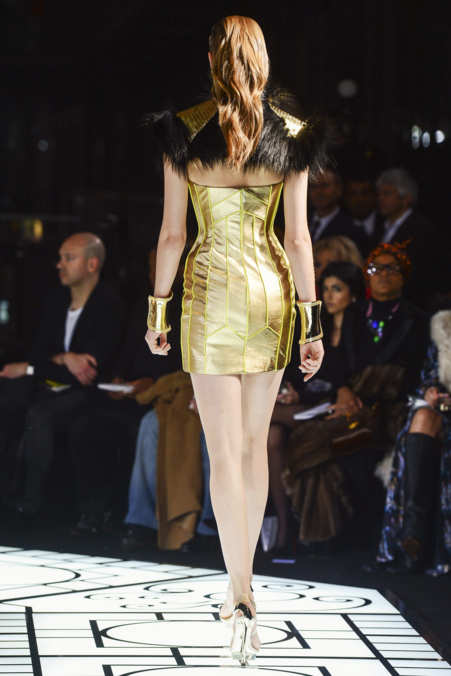 Back Photo 20 from Versace