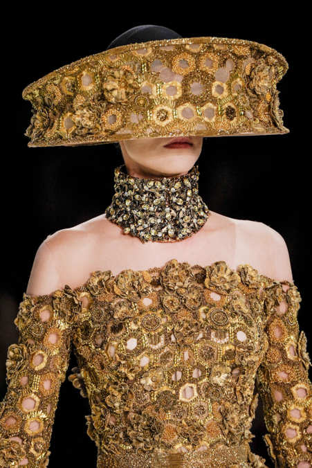 Detail Photo 39 from Alexander McQueen