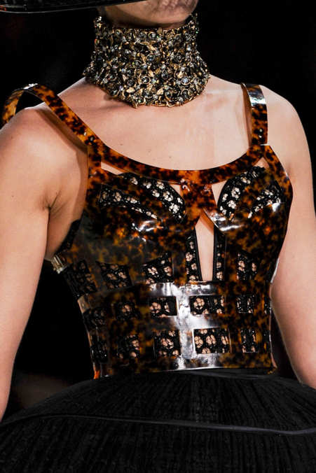 Detail Photo 41 from Alexander McQueen