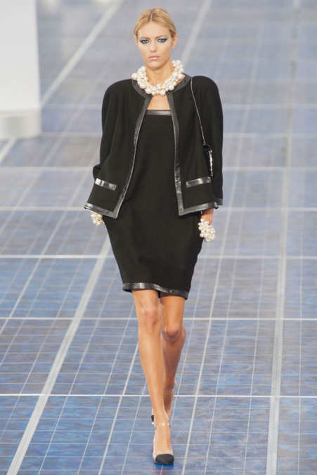Photo 3 from Chanel