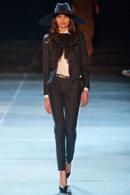 Photo 3 from Saint Laurent