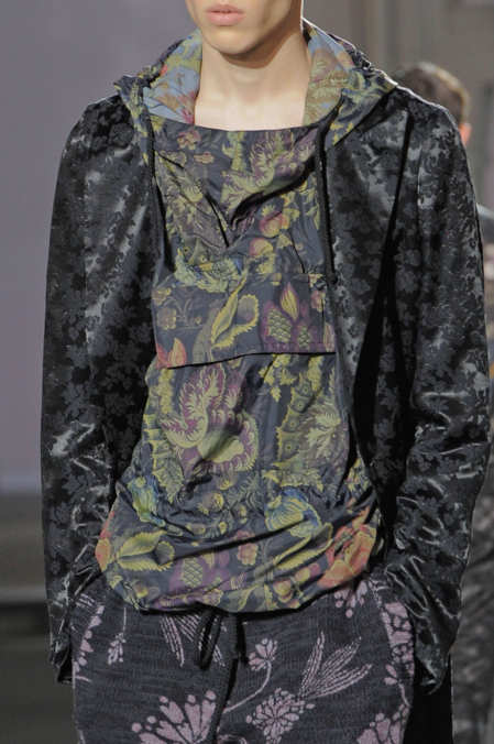 Detail Photo 2 from Dries Van Noten