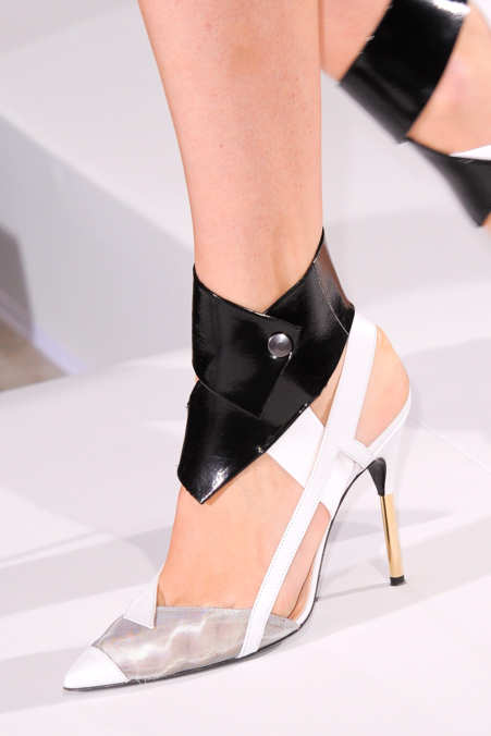 Detail Photo 16 from Roland Mouret