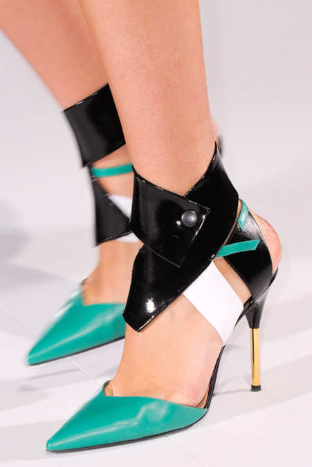 Detail Photo 19 from Roland Mouret