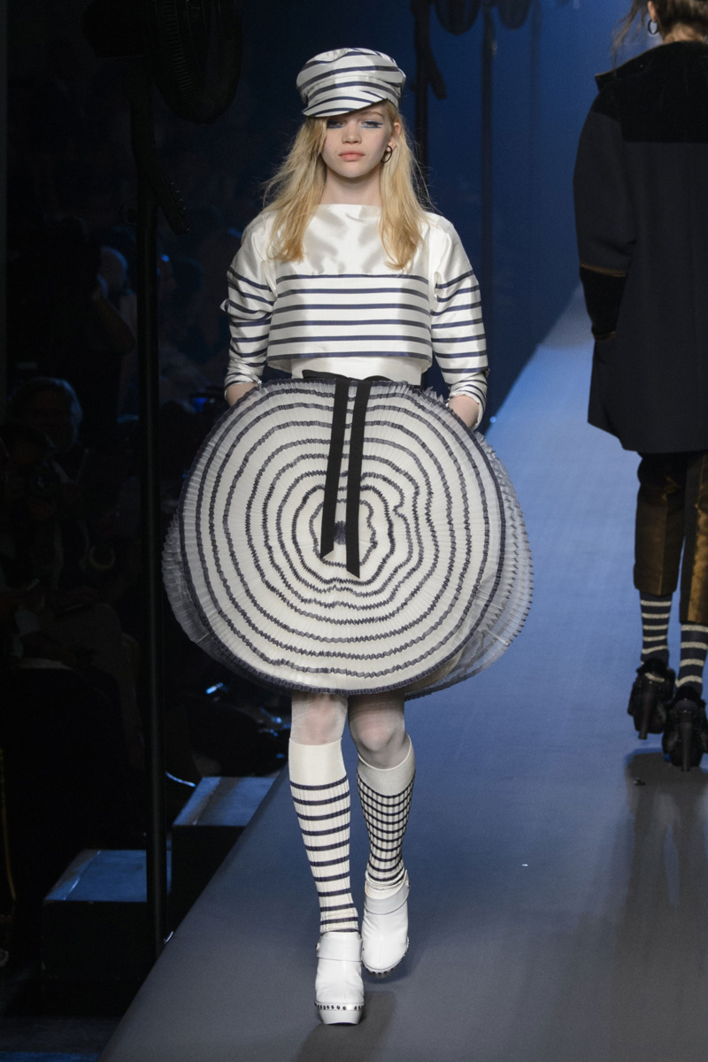 jean paul gaultier fall 2015 couture the cut. Black Bedroom Furniture Sets. Home Design Ideas