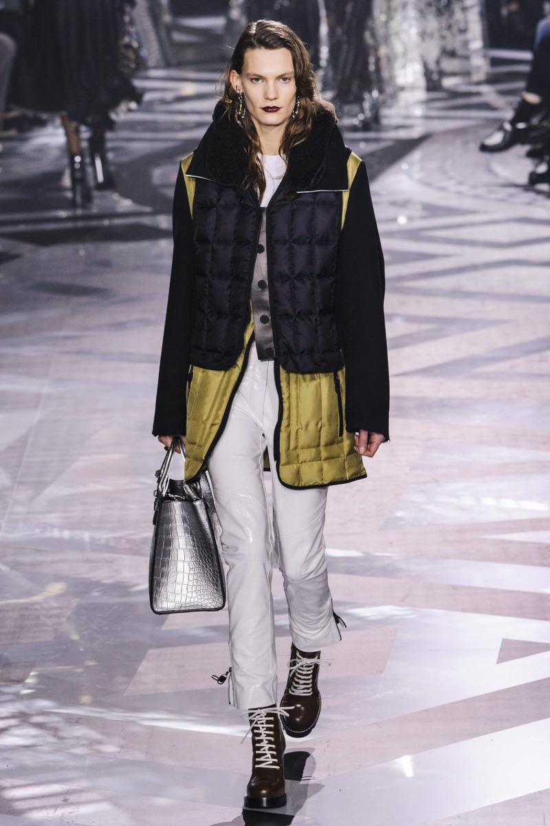 Louis Vuitton Paris Laukku : Louis vuitton fall rtw the cut