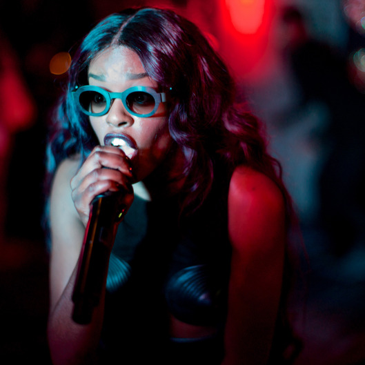Azealia Banks, Performance