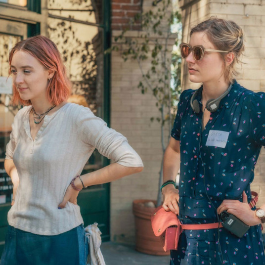 46b25ea380b Ask the Strategist  Where Can I Find Greta Gerwig s Fanny Pack
