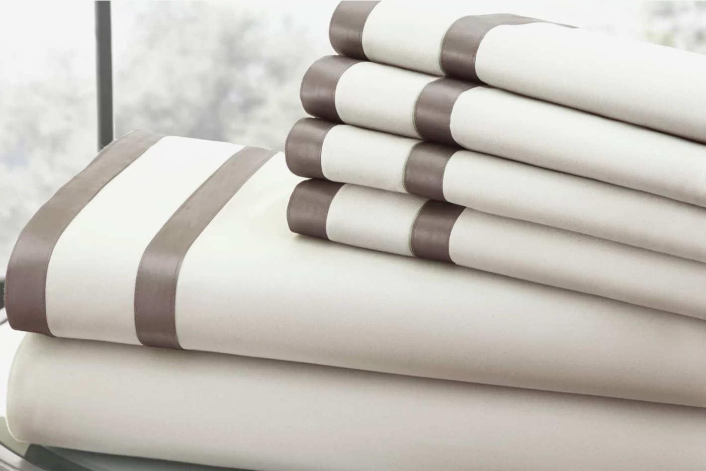 Amrapur Overseas Inc. 1000 Thread Count Sheet Set