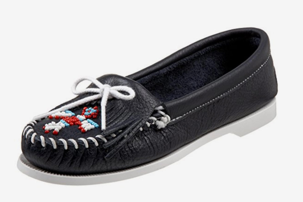 Minnetonka Women's Thunderbird Smooth Moccasin