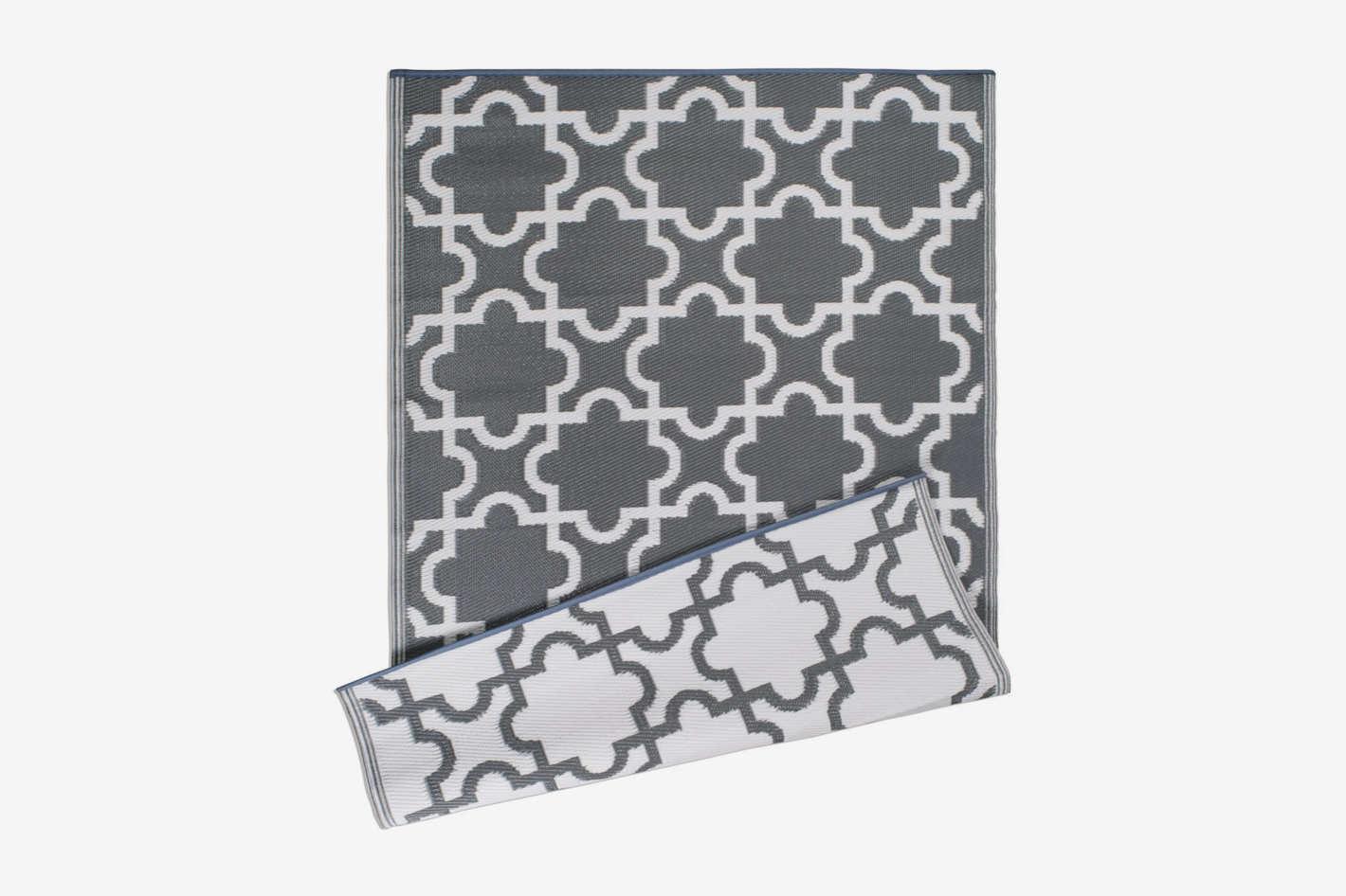 Moroccan Indoor/Outdoor Lightweight, Reversible, & Fade Resistant Area Rug
