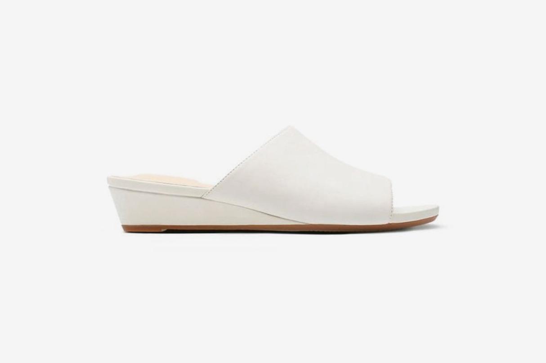 Clarks Parram Waltz Womens Sandals in White Leather