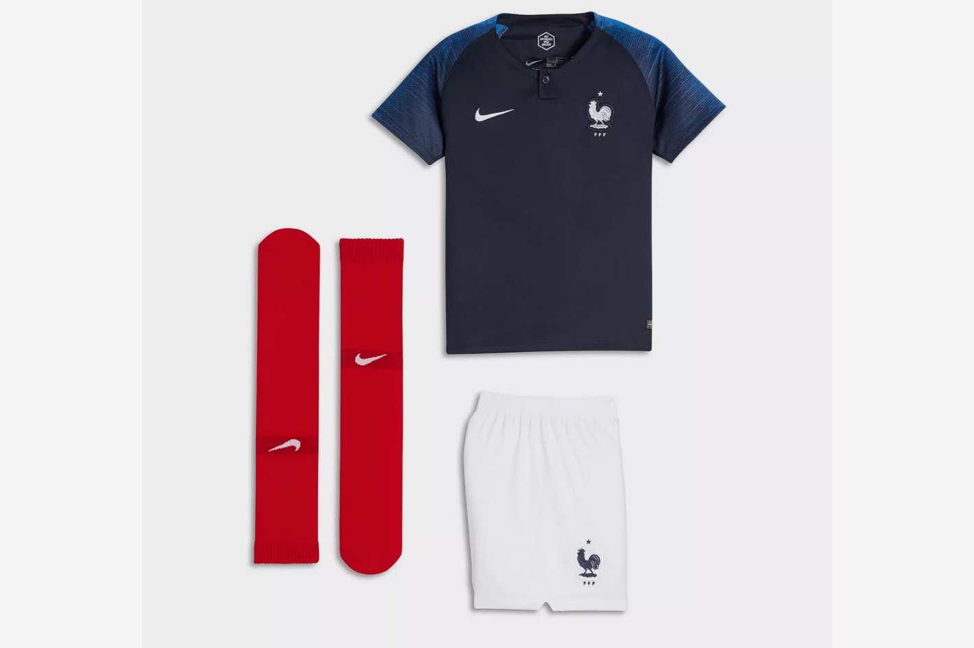 Nike Little Kids' Soccer Kit 2018