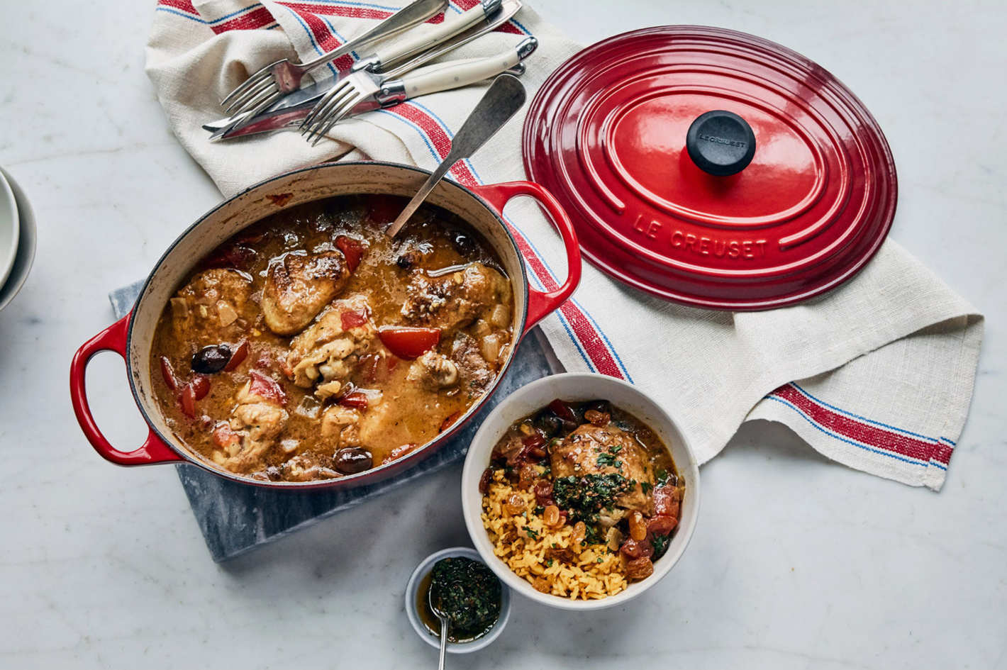 Le Creuset Signature 5 Qt. Oval Dutch Oven