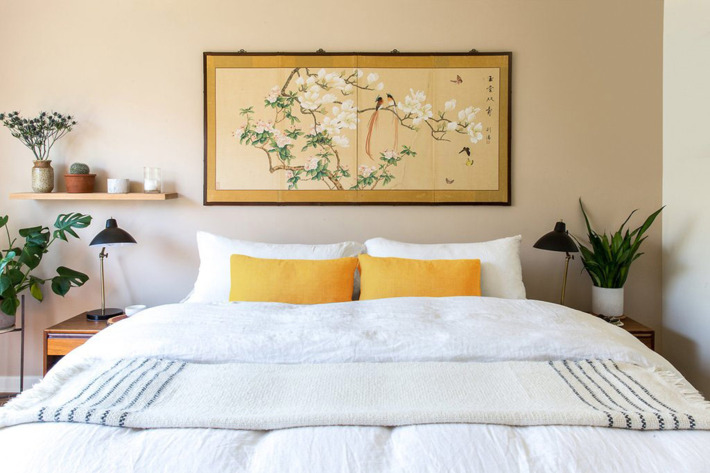 A bed made with linen sheets — the Strategist reviews the best linen bedsheets.
