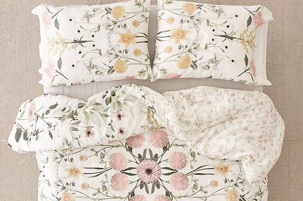 Daniella Floral Comforter
