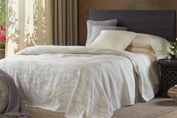Arrowhead Organic Reversible Blanket