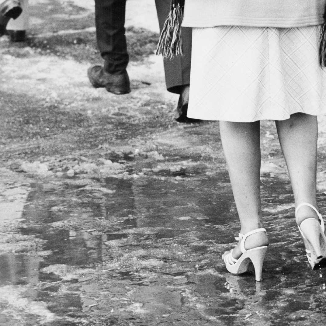 Lilley Skinner Womens White Leather Flat Sandal-19030