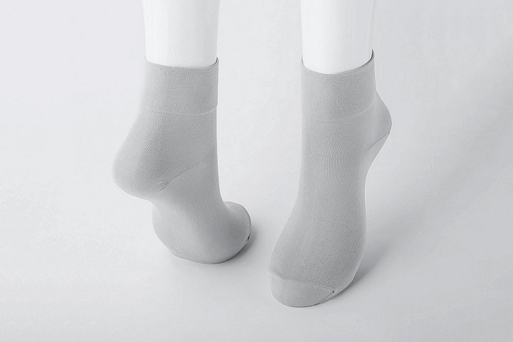 Women Taper Crew Socks