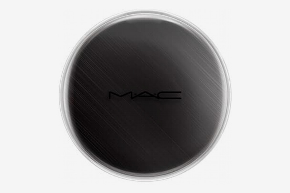 M.A.C Chromacake in 'Black Black'
