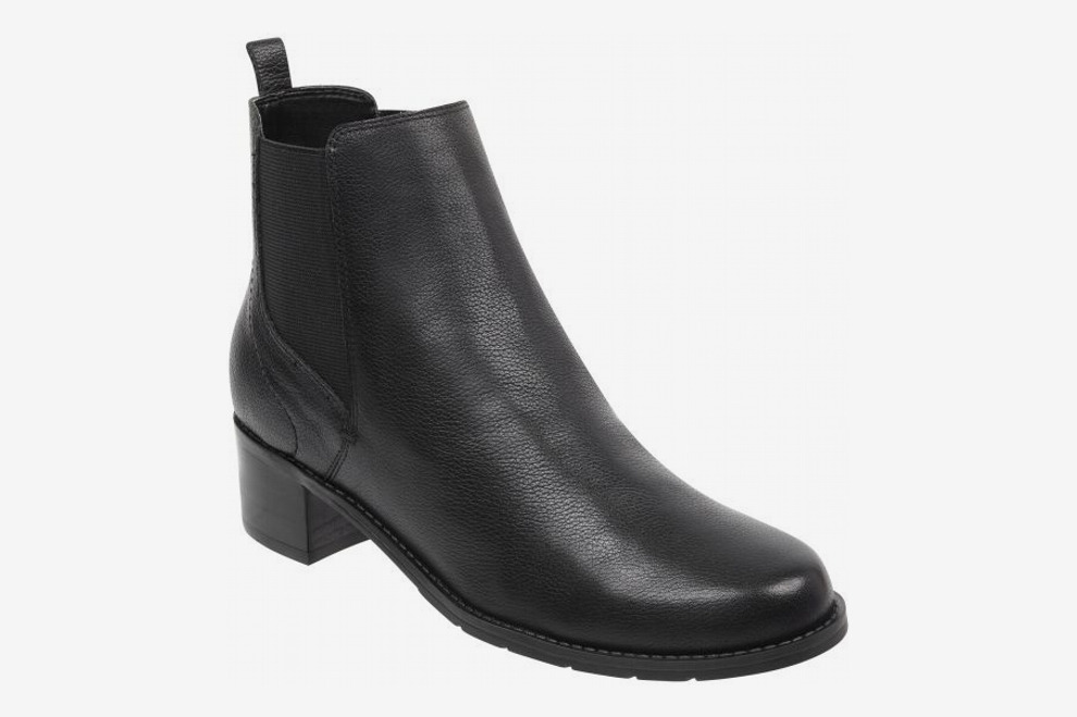 a90658abad4c 11 Best Women s Boots and Chelsea Boots for Wide Feet 2018