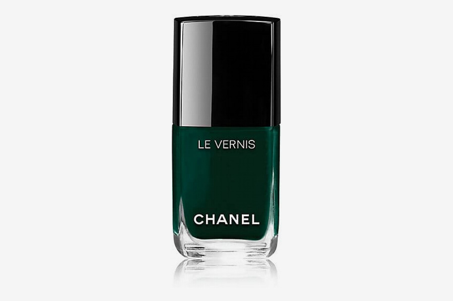 Chanel Le Vernis in Fiction