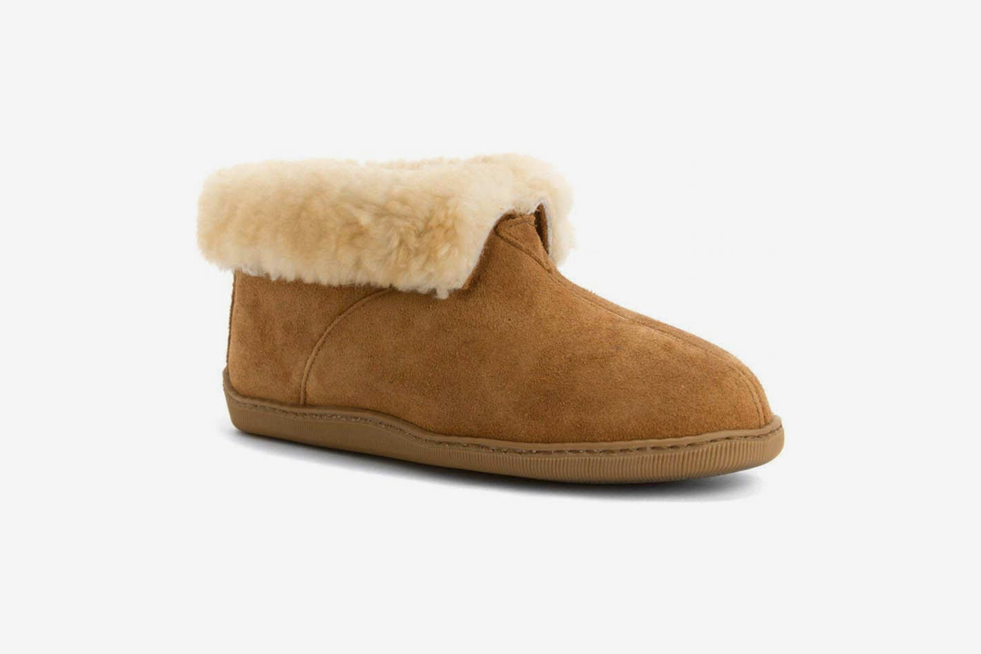 Minnetonka Men's Sheepskin Ankle Boot Slippers