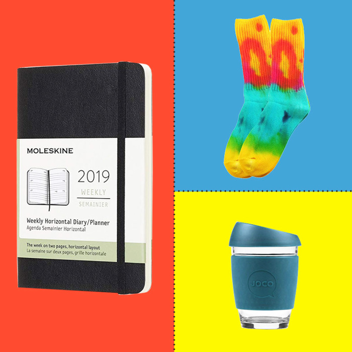 d5723d71e0ae6d 25 Office Secret Santa Gifts Under $25 (That You Can Buy on Amazon)