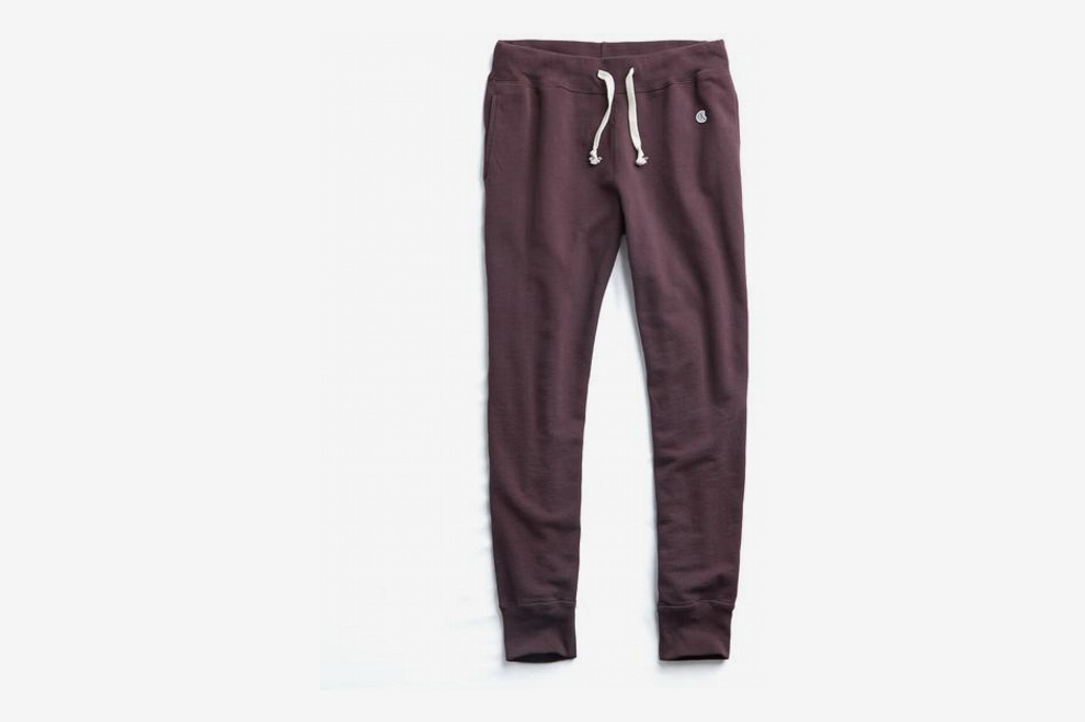 Todd Snyder + Champion Slim Jogger Sweatpant in Plum