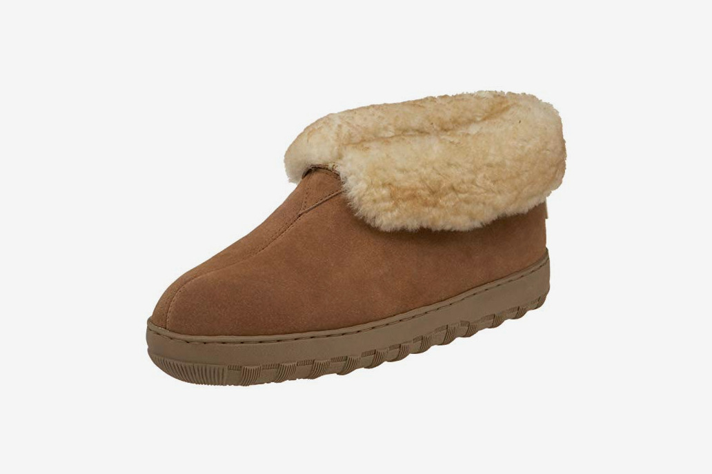 Tamarac by Slippers International Men's Highlander Shearling Slipper