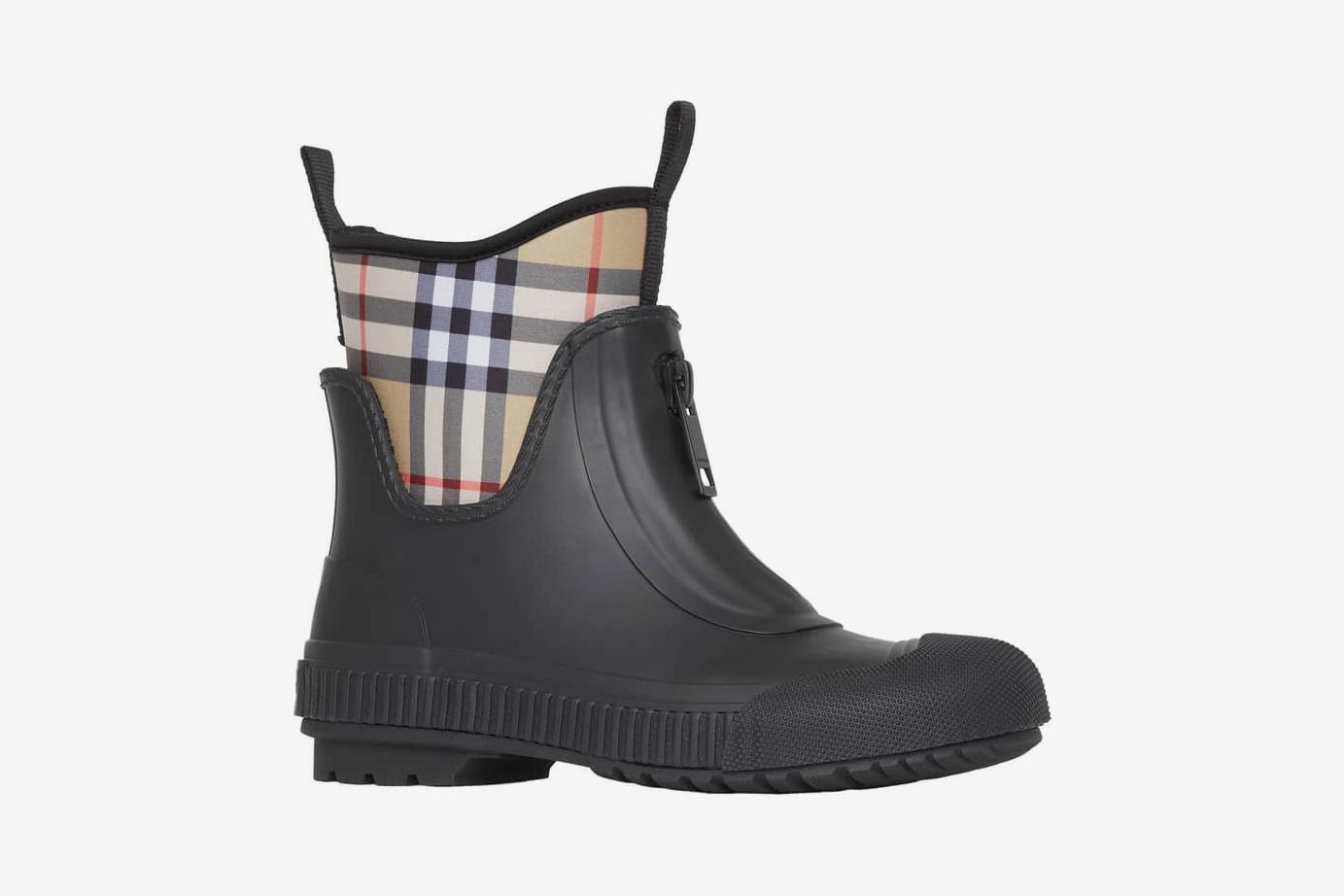 80483e58f 13 Best Stylish Rain Boots for Women