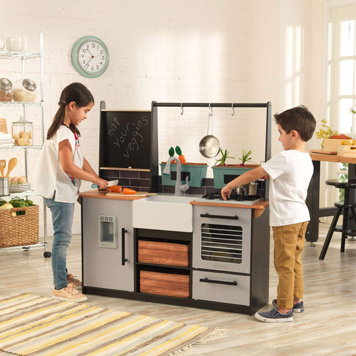 The Best Toy Kitchen Sets On Amazon, According To Hyperenthusiastic  Reviewers