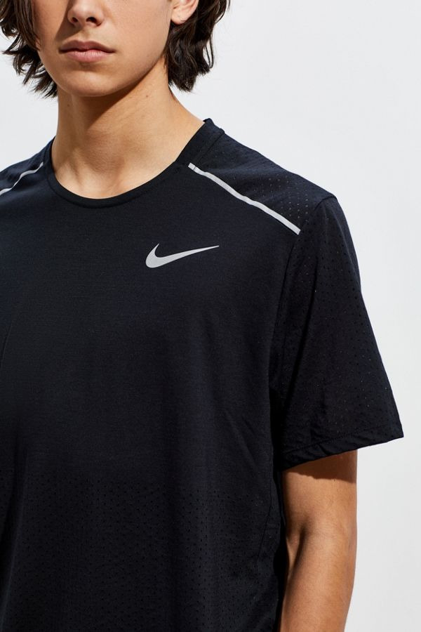 Nike Dri-FIT Rise 365 Top