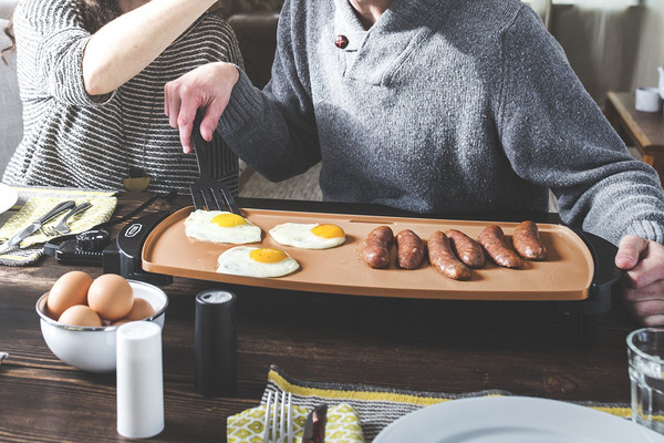 The Best Electric Griddles on Amazon, According to Hyperenthusiastic Reviewers