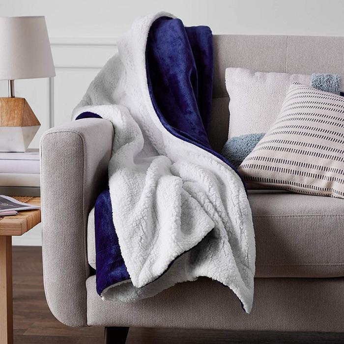 2d2c0e9758634 12 Best Plush Blankets 2019