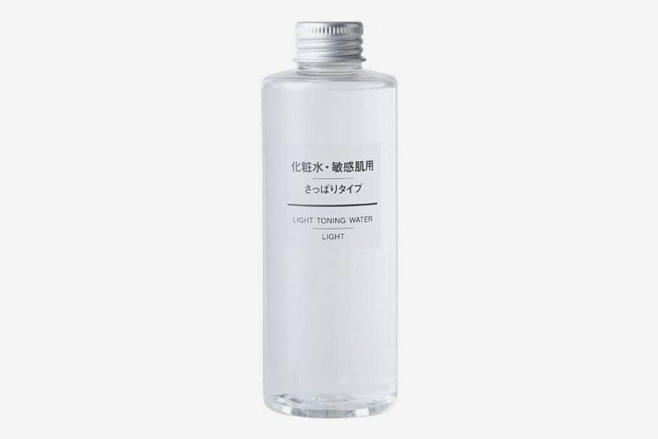 Light Moisturizing Toning Water 200ml