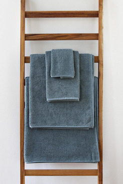 Coyuchi Air Weight Cotton Bath Sheet
