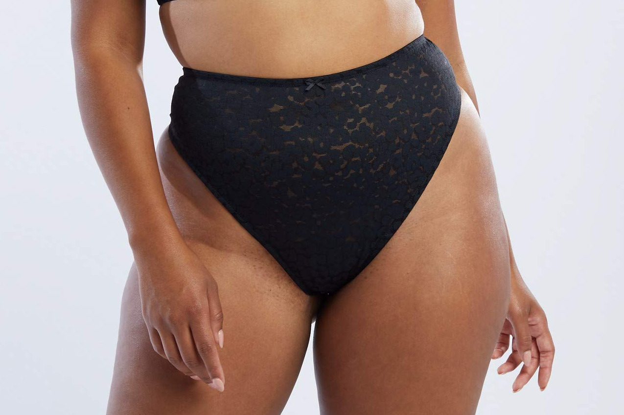 Savage X Fenty Women's Curvy High-Waist Leopard Lace Thong