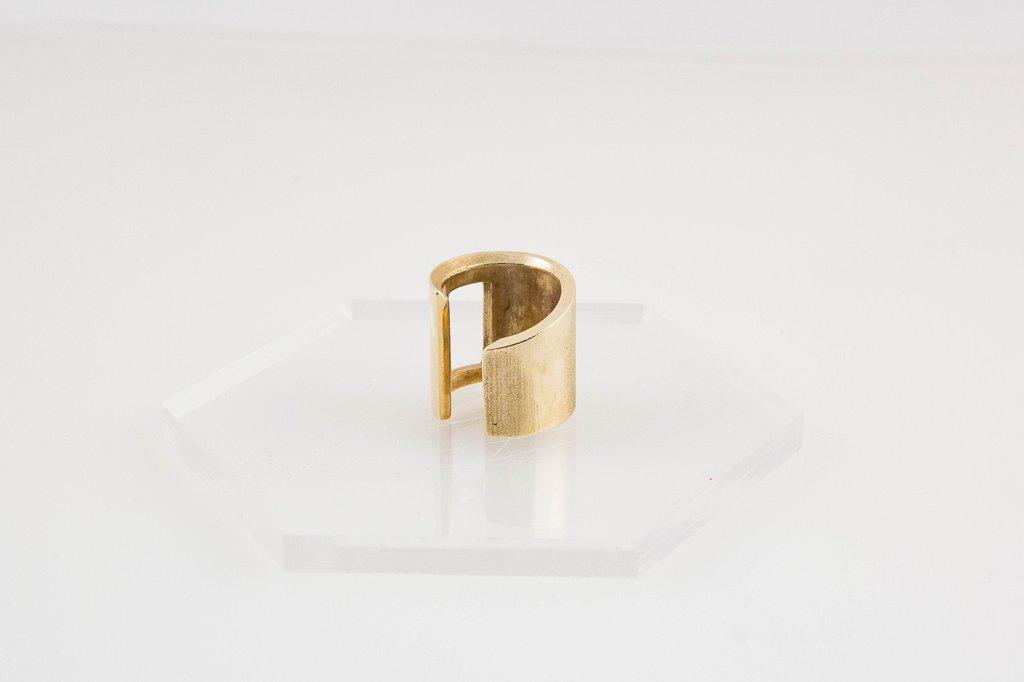 Newm Spiral Ring