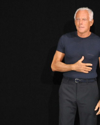 eede6ce4aa7 Giorgio Armani Does Not Need to  Surround  Himself  With ...