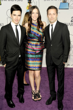 Lazaro Hernandez and Jack McCollough with Liv Tyler at the CFDA Awards.