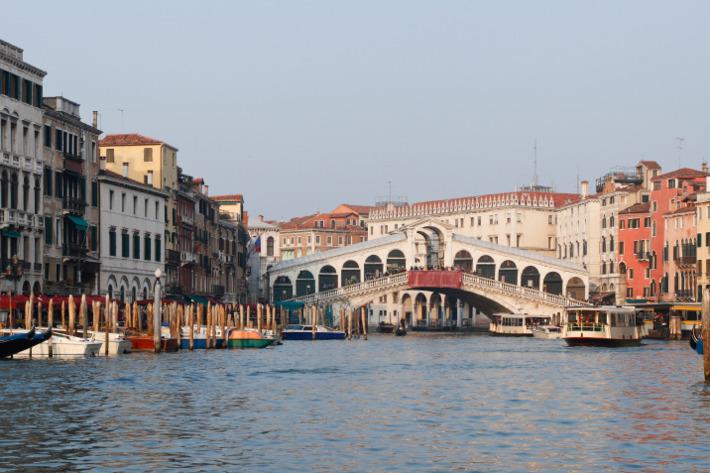 Venice's Ponte Rialto.