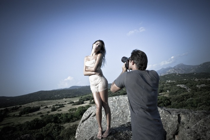Mario Sorrenti shooting Isabeli Fontana.