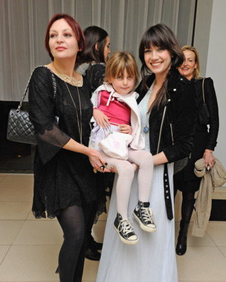 Pearl, Betty, and Daisy Lowe.
