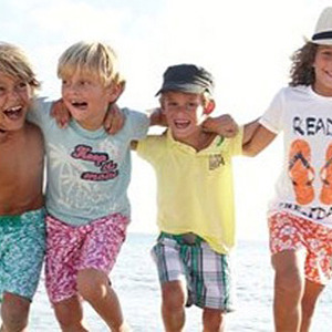 8f8dbab2968 Did a French Clothing Company Shoot Parts of Its Childrenswear ...