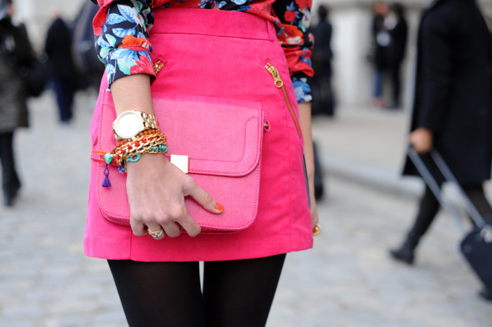 /slideshows/2012/03/05/paris_street_styledays3through5.slideshow.json