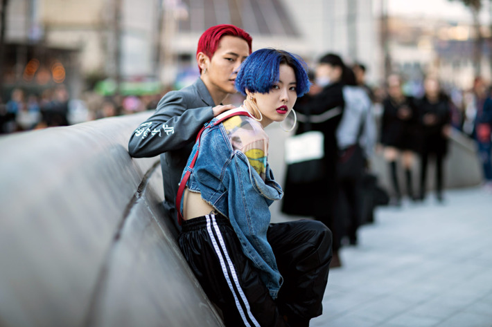 Outside the shows at Seoul Fashion Week. Photo: Eva Losada