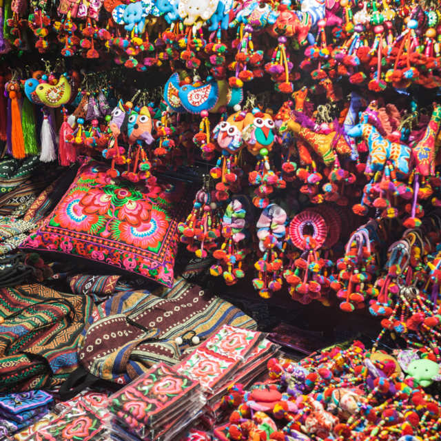 Handmade Lutes, Herbal Inhalers, and Other Souvenirs You Should Buy in Bangkok